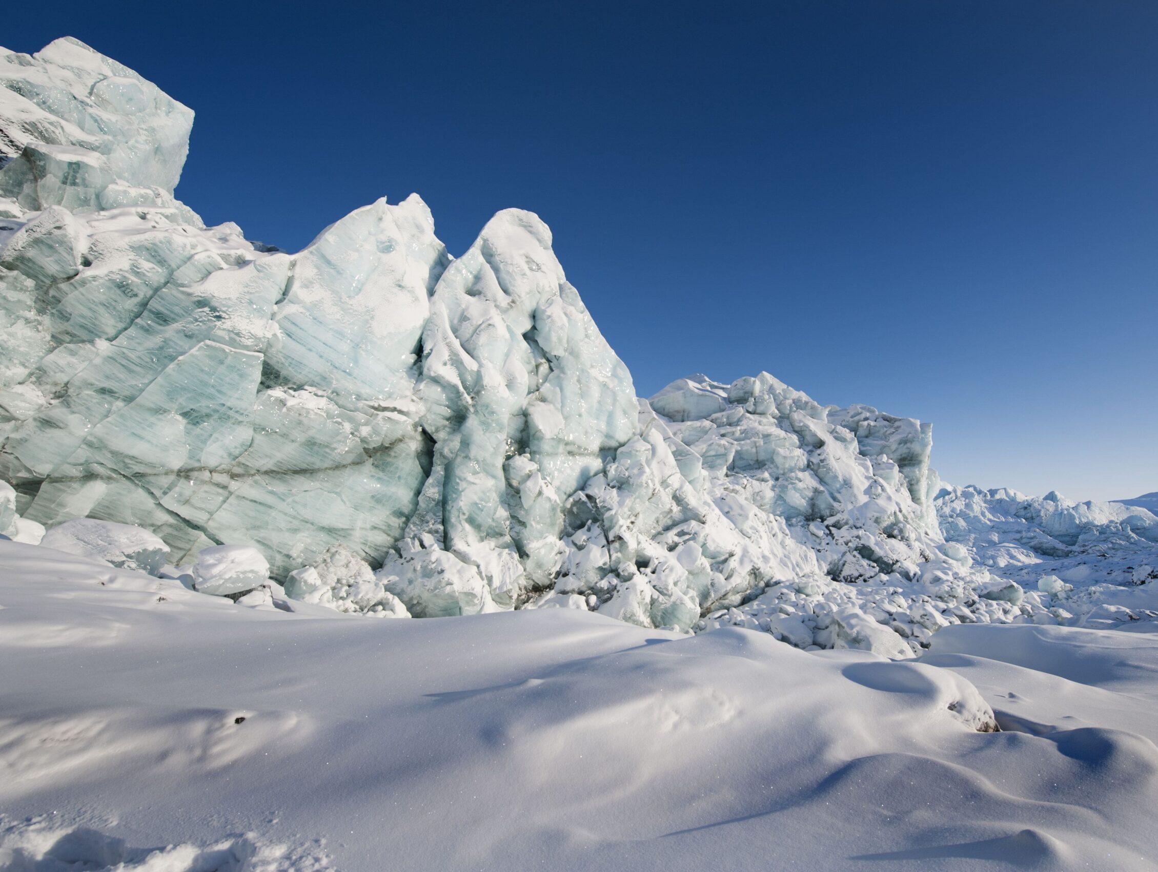 Ice on the Greenland Icesheet near Kangerlussuaq HE (002)-min